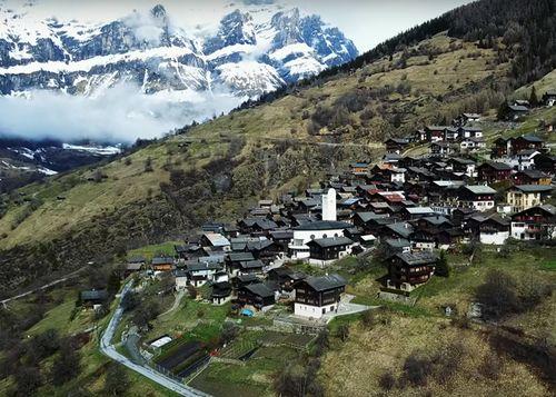 60.000 euros per anar a viure als Alps, qui s'anima?