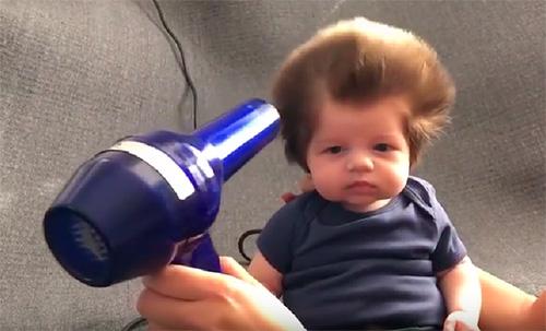 El bebè amb els cabells més virals d'internet