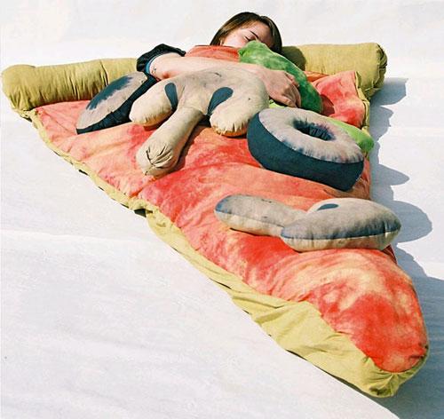 Dormint en una pizza