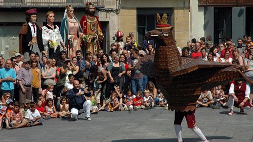 El seguici festiu de Manresa, convidat de les festes de Santa Eulàlia 2015