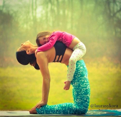 Fent ioga amb la mare