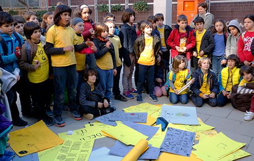 Famílies de cinc escoles de Gràcia organitzen activitats conjuntes com a boicot a les proves de tercer de primària