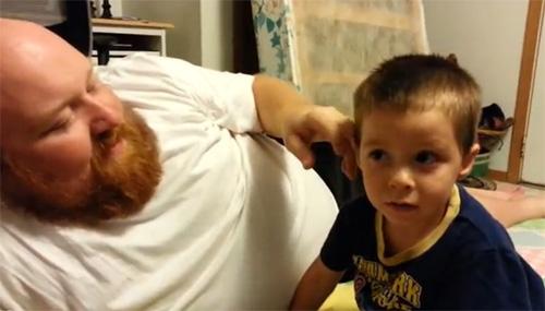 El papa m'ha robat l'orella!