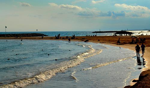 Les 5 platges del Baix Penedès i el Garraf per trepitjar aquest estiu