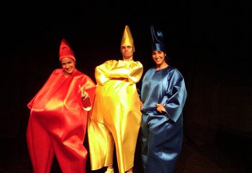 Promoció 'La família coloraina' al Teatre Tantarantana